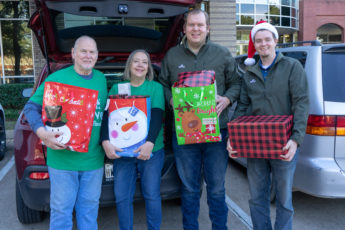 Thrive Gives Back 2018 Holiday